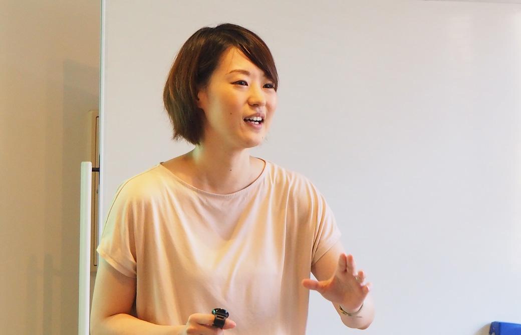 声の仕組みについて解説する高橋淳子先生