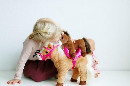 Baby Born pony en haar veulen