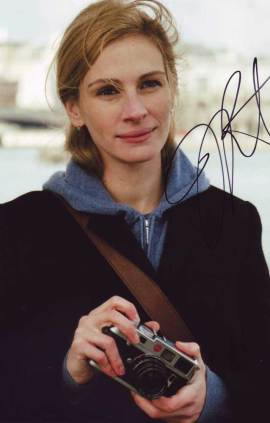 Julia Roberts in-person autographed photo