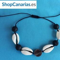 Pulsera de Macramé de la marca Shopcanarias.es con Conchas y Símbolo Guanche