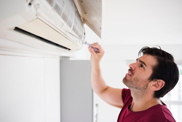 Ini Dia 5 Penyebab AC Tidak Dingin Serta Cara Mengatasinya