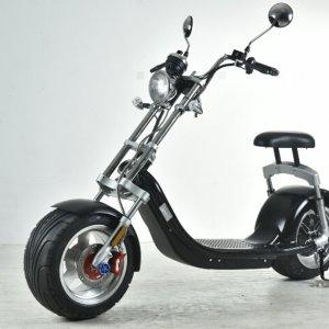 Electrische scooter met uniek Harley Design mat zwart met geel kenteken (45 km/u)