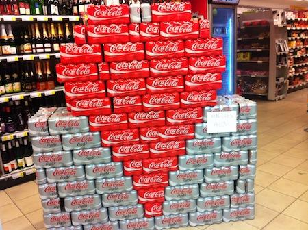 Le Visual Merchandising De Saint Valentin Selon Coca Cola
