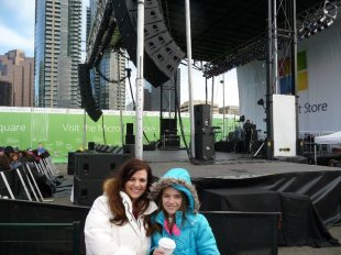 Mom and I infront of Stage (2)
