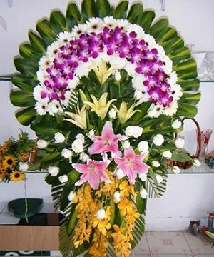 vòng hoa tang lễ