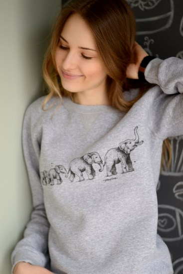 cofort color sweatshirt with print //ShopLaLune
