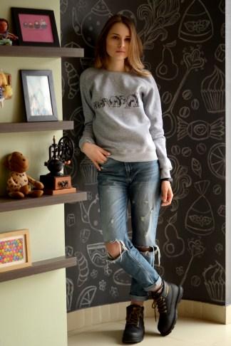 cozy sweatshirt street look //ShopLaLune