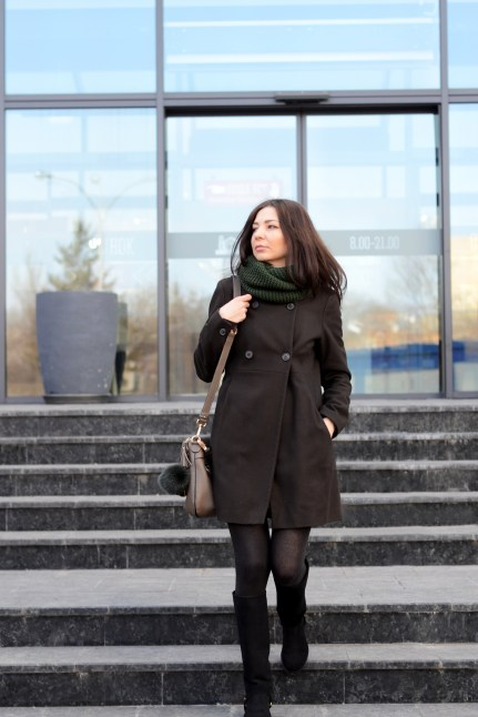 street look with infinity scarf //ShopLaLune
