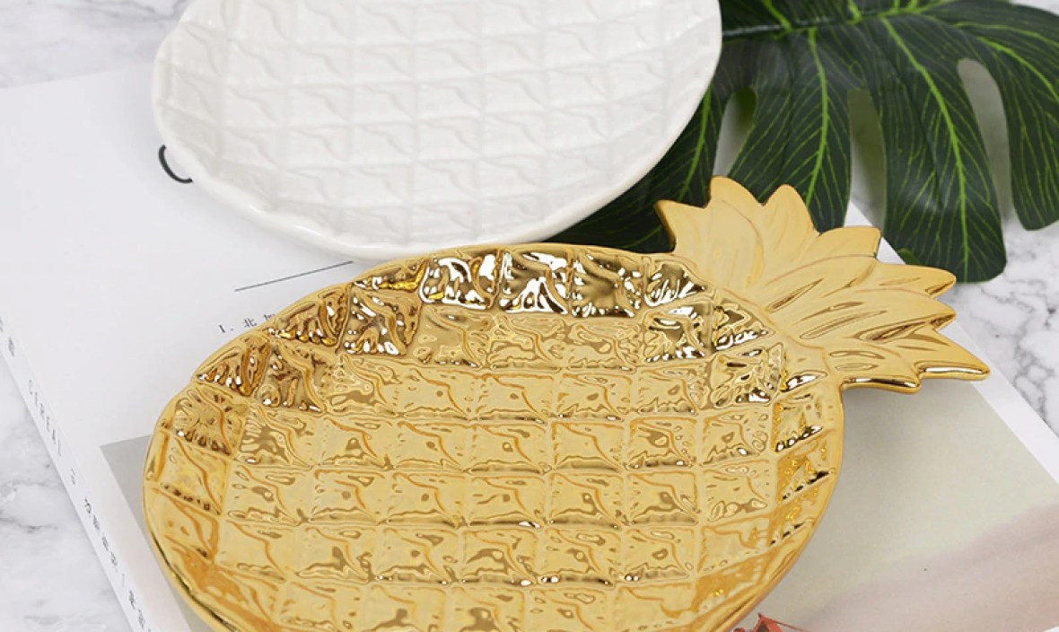 Home design ornaments artparts gold pineapple plate Nordic ceramic received plate electroplating jewelry tray home decoration