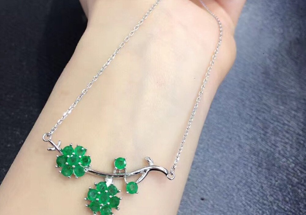 Sale Qi Xuan_Fine Jewelry_Colombia Green Stone Fashion Necklaces_S925 Solid Silver Pendant Necklaces_Factory Directly Sales