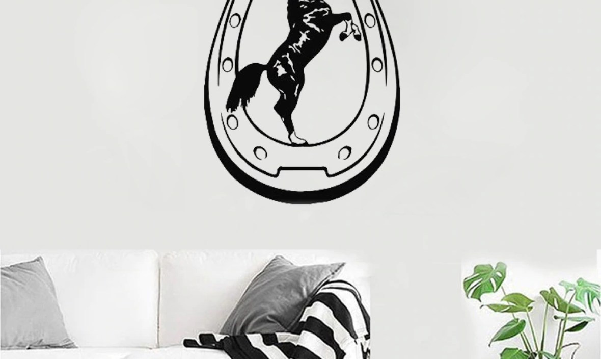 Horseshoe Luck Vinyl Wall Sticker Pattern Animal Decals Mural Home Design Art Decor Horse Cowboy Living Room Wall Tattoo LC063