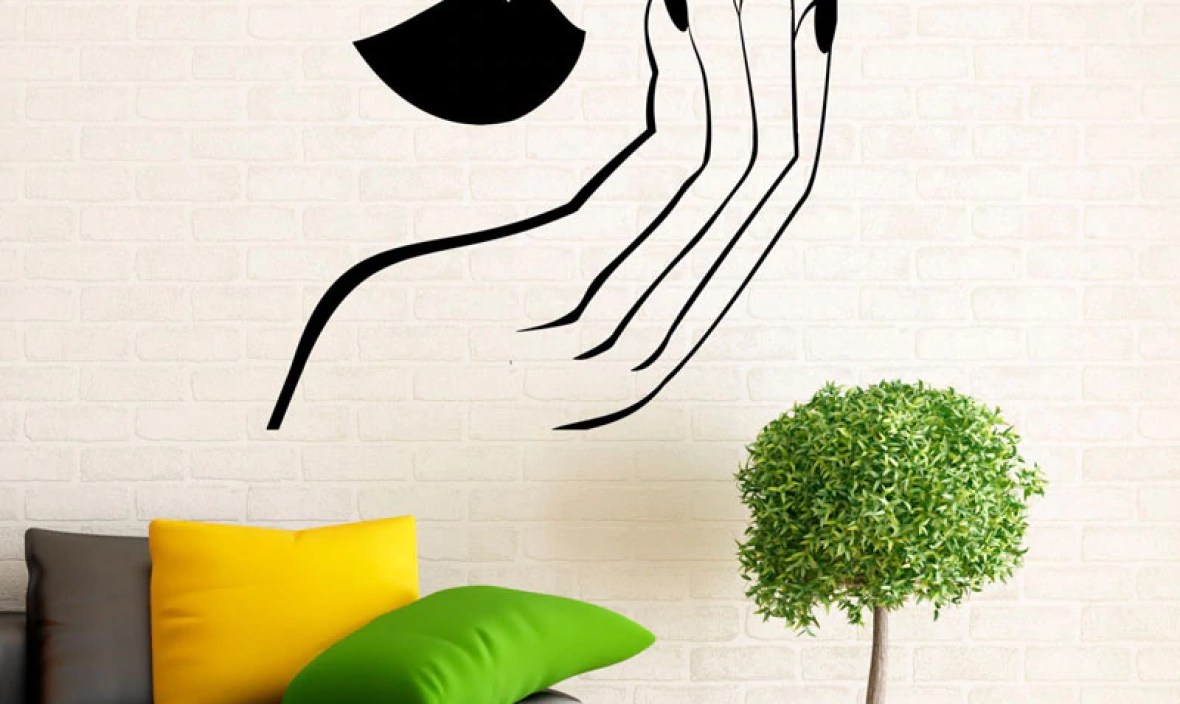 Manicure Wall Decal Vinyl Stickers Girl Hands Nails Beauty Interior Home Design Art Murals Spa Beauty Salon Decor Fashion A405