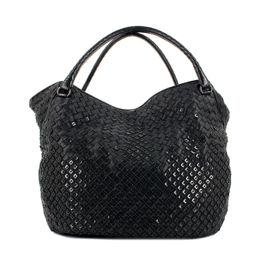 Bottega Veneta • Limited edition! Sac à main en cuir tressé noir (L x h x l):40 x 30 x14 cm) Sublime sac à main en cuir tressé noir, double poignée en cuir tressé noir permettant un portage main ou épaule. 2750 € (réf. 279966)