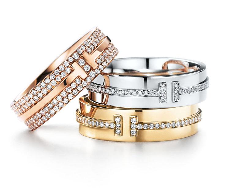 Bagues Tiffany T Two en or rose ou or jaune et diamants, Tiffany & Co. De 3 650 et 8 550 €