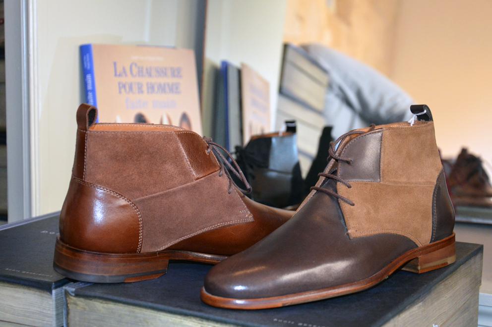 La Réconciliation, modèle de boots chukka; réunit l'homme pressé et le voyou pour de nouvelles aventures. Prix : 210 €