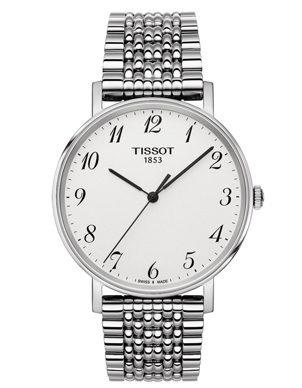 TISSOT. Collection Everytime Medium, TISSOT. Le cadran blanc de cette Tissot Everytime s'accorde parfaitement à son bracelet en acier inoxydable 316 L. 220 €