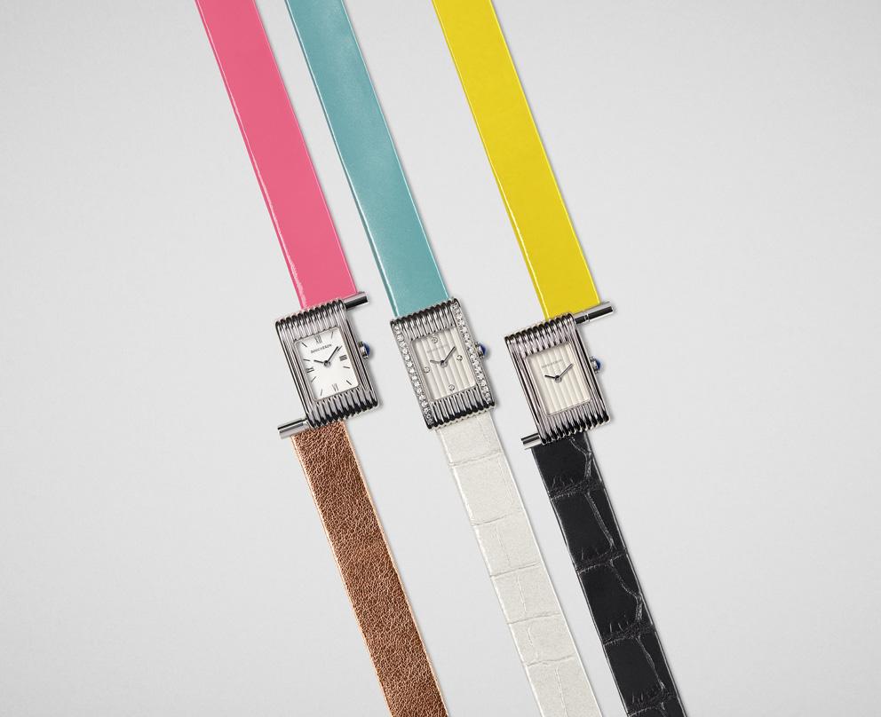 Boucheron imagine huit nouveaux bracelets aux couleurs pop et pastel. Il y a désormais soixante-dix façons de porter sa Reflet, quelle sera la vôtre ?