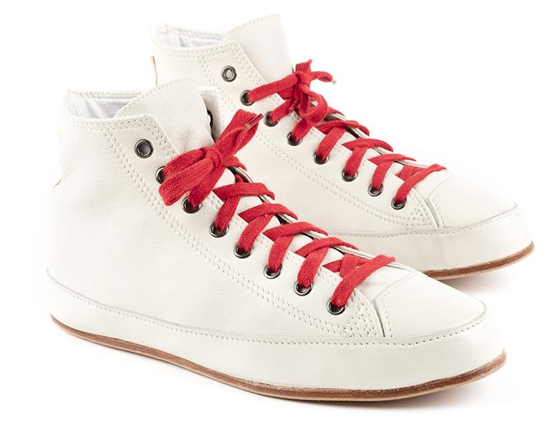 Chapal. Baskets montantes en cuir glacé blanc… Tout l'art de coller à la tendance actuelle en restant maître de son exigence de qualité !