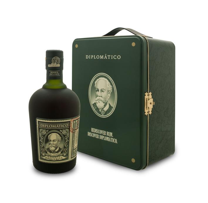 Le Diplomatico Reserva Exclusiva est vendu pour les fêtes dans une valise en métal au prix de 52 € chez les cavistes.