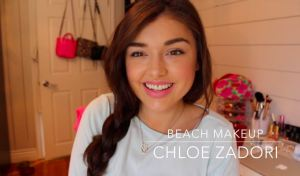 Chloe Zadori blows even professional makeup artists out of the water with her perfect beach look. Photo via Chloe Zadori-Youtube.