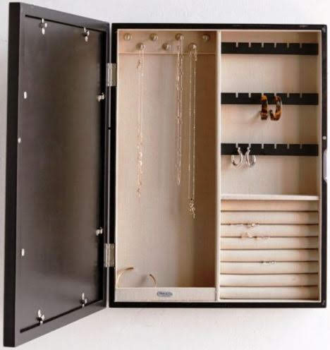 Inside of the Mele and Co jewelry box. Urbanoutfitters.com.