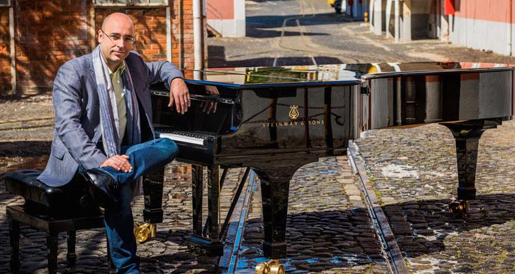 """Convento do Espinheiro recebe recital do """"poeta do piano"""""""