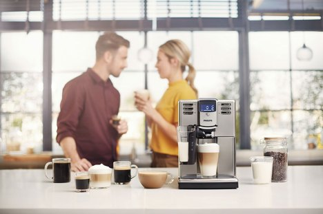 Philips-Latte-Go-EP5335-Lifestyle01