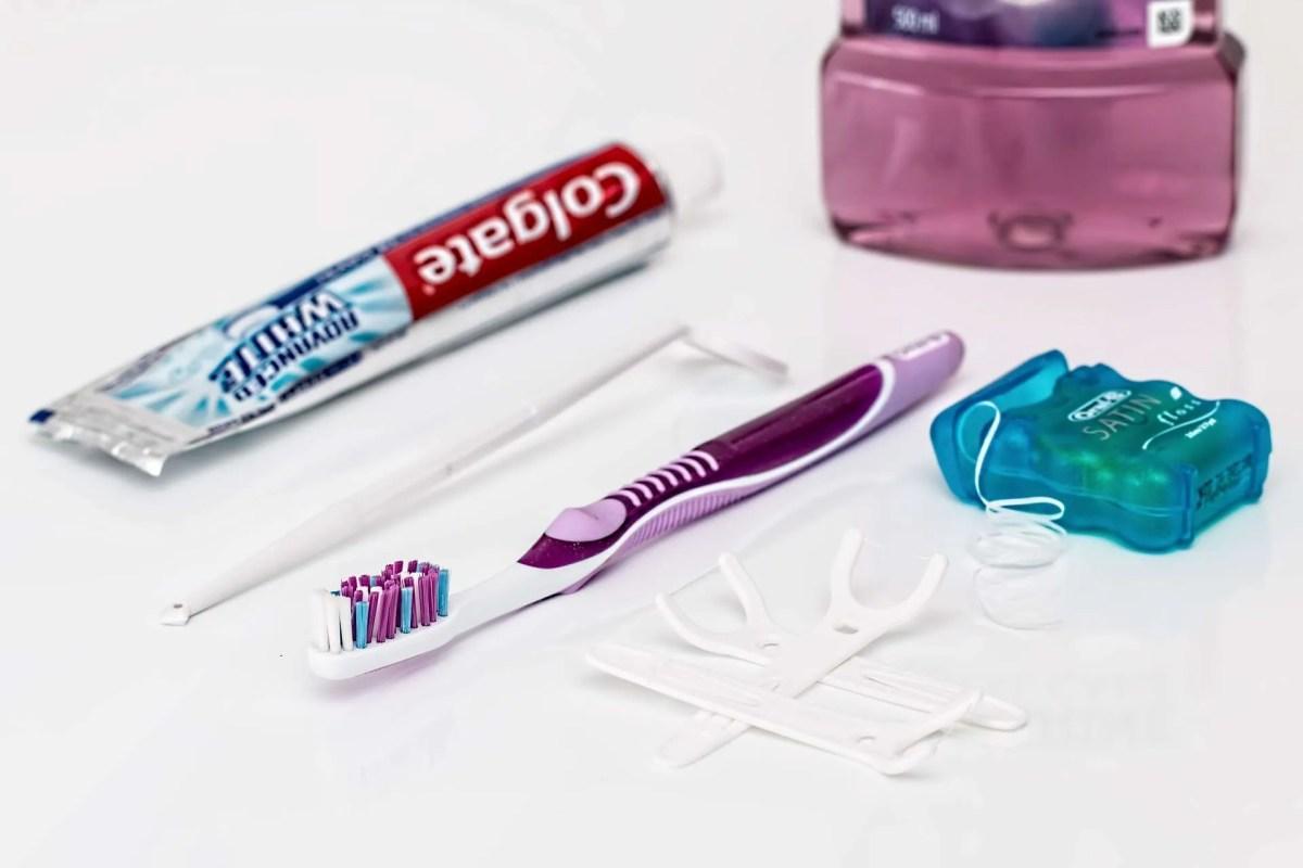 dental-flossing-kit.jpg?fit=1200%2C800&ssl=1