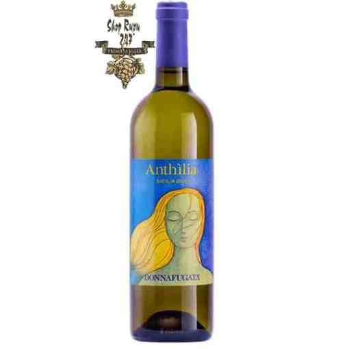 Rượu vang Ý Donnafugata Anthilia Sicilia Doc Bianco 2019, được là sự pha trộn giữa các loại nho Cataratto