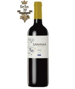 Đó là một loại rượu nho đỏ với màu tím đậm, cường độ cao. Hương thơm thường gắn với Shiraz là lá thuốc, ớt chuông, hoa quả tối, cà phê và sôcôla