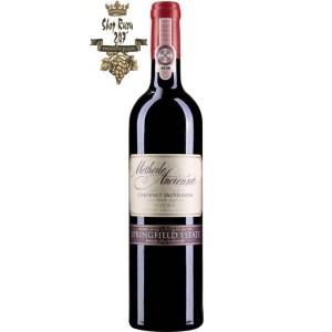 Rượu Vang Nam Phi Methode Ancienne Cabernet Sauvignon có mầu đỏ đẹp mắt. Hương vị của than chì và hoa quả cùng hương thơm của cassis, anh đào và hoa violet.