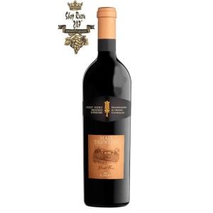 Rượu Vang Ý I Masi có màu đỏ đậm sâu và sáng. Hương thơm thanh lịch và tao nhã của mận, sơ ri đen và thuốc lá. Hương vị của của các loại trái cây chín đỏ