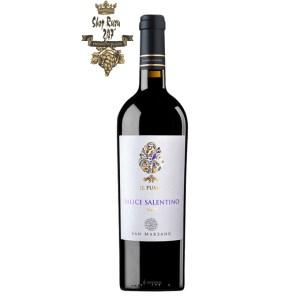 Rượu Vang Ý IL Pumo Salice có mầu đỏ hồng sẫm. Hương thơm mãnh liệt của các loại hoa, mùi hương của anh đào, mận, một chút vị cay