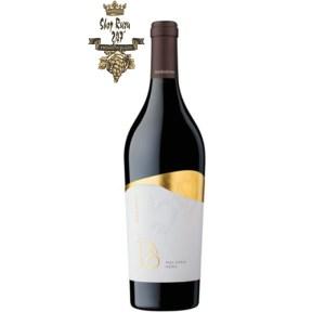 Rượu Vang Ý Talo Malvasia Nera Salento IGP có mầu đỏ hồng đậm. Hương thơm phức hợp của các loại trái cây mầu đỏ và gia vị.