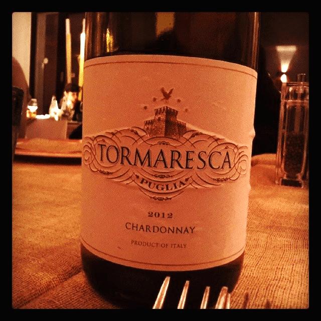 Được làm từ các trái nho Chardonnay thu hoạch ở mức độ chín đúng, sau đó nho được ủ riêng biệt
