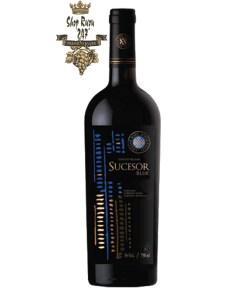 Rượu có mầu đỏ ánh tím. Hương thơm của các loại gia vị và mùi gỗ sồi tạo nên một hương thơm ấn tượng. Rượu có vị của hoa quả nhiệt đới