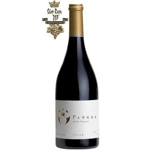 Rượu Vang Chile Ventisquero Pangea có mầu đỏ sâu đậm. Hương thơm phong phú và nổi bật của trái mọng chín đỏ cùng hương thơm