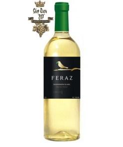Rượu Vang Chile Trắng Feraz Sauvignon Blanc có mầu vàng nhạt đẹp mắt, tươi mát. Hương thơm của các loại hoa quả như cam quýt