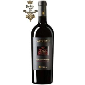 Cardinale Primitivo Di Manduria có mầu đỏ quyến rũ. Hương thơm của cỏ khô và các loại mứt trái cây. Hương vị thơm ngon, mềm mại cùng tannin mịn màng, cấu trúc tốt tạo nên một kết thúc dài