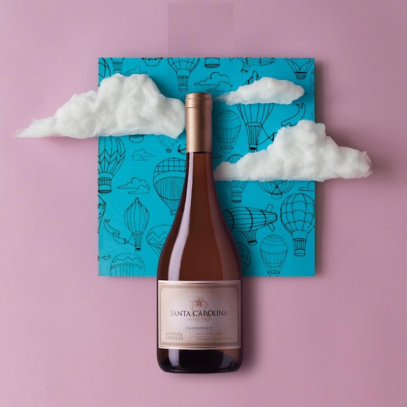 Rượu Vang Trắng Santa Carolina Reserva de Familia Chardonnay có mầu vàng rơm. Một loại rượu vang hoàn hảo cân bằng