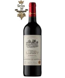 Rượu Vang Đỏ Chateau Lafont có mầu đỏ tím xinh xắn. Hương thơm nồng nàn, quyến rũ của quả dâu tây và nho chín mọng