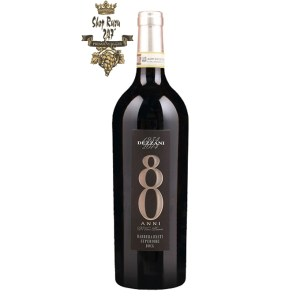 Rượu Vang Ý Đỏ 80 Anni DOCG Barbera có màu đỏ hồng đậm. Kết cấu mượt mà, sâu lắng, tannin mịn màng được đánh bóng và độ axit cân bằng hoàn hảo.