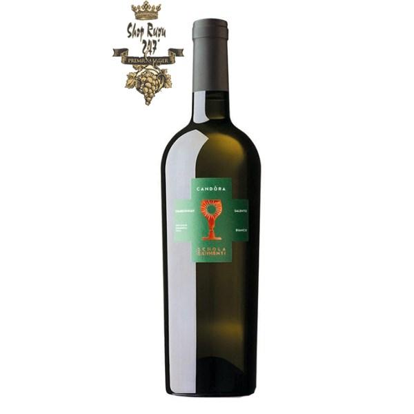 Rượu có mầu vàng xanh. Hương vị tươi mát của hoa tươi, hoa quả nhiệt đới với mùi vani tinh tế. Với hương vị đầy đủ với một đặc tính mạnh mẽ và sự bền bỉ dài lâu