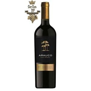 Rượu Vang Chile Arauco Gran Reserva Cabernet Sauvignon có mầu anh đào đậm sâm. Đây là một chai rượu tầm trung