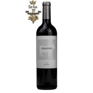 Rượu vang Argentina Hereford Malbec 2019 có độ acid và lượng tanin trung bình đã tạo cho người uống cảm giác nhẹ nhàng