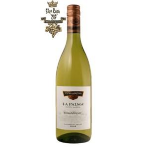 Vang Chile Trắng La Palma Chardonnay có mầu vàng rơm tươi mới. Một loại rượu rất thơm với hương của các loại quả như cam quýt, đào
