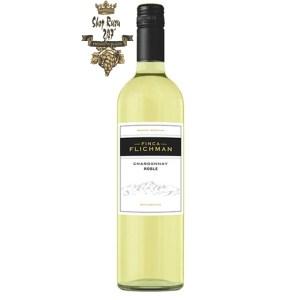 Rượu Vang Trắng Roble Chardonnay Finca Flichman có mầu vàng xanh lá. Hương thơm của dứa, măng tây kết hợp cùng hương thơm