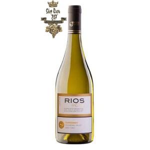 Rượu Vang Chile Trắng Rios Chardonnay có mầu vàng nhạt cùng sắc xanh. Hương thơm tươi mát của hoa quả chín anh đào