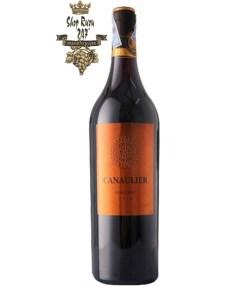 Rượu Vang Đỏ Canaulier Pomerol có mầu đỏ đậm đặc đẹp mắt. Đây là dòng rượu vang dịu dàng, yêu kiều