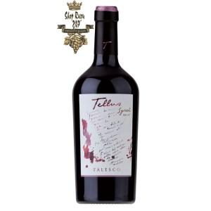 Rượu Vang Ý Đỏ Falesco Tellus Syrah Lazio IGP có mầu đỏ tím đẹp mắt. Hình ảnh của Tellus luôn được liên kết với thế giới nghệ thuật.